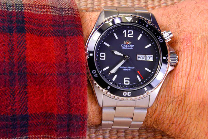 "Orient CEM65001B ""Black Mako"""