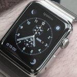 Часы Apple на руке