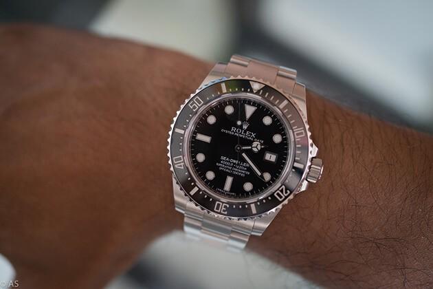 Rolex Submarine Date 116610 на руке