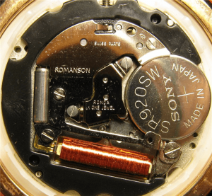 Замена батарейки в наручных часах